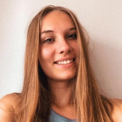 Julia<br>Plocknitzer